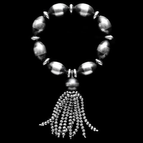 Oval Navajo Pearl Stretchy Bracelet with Tassel