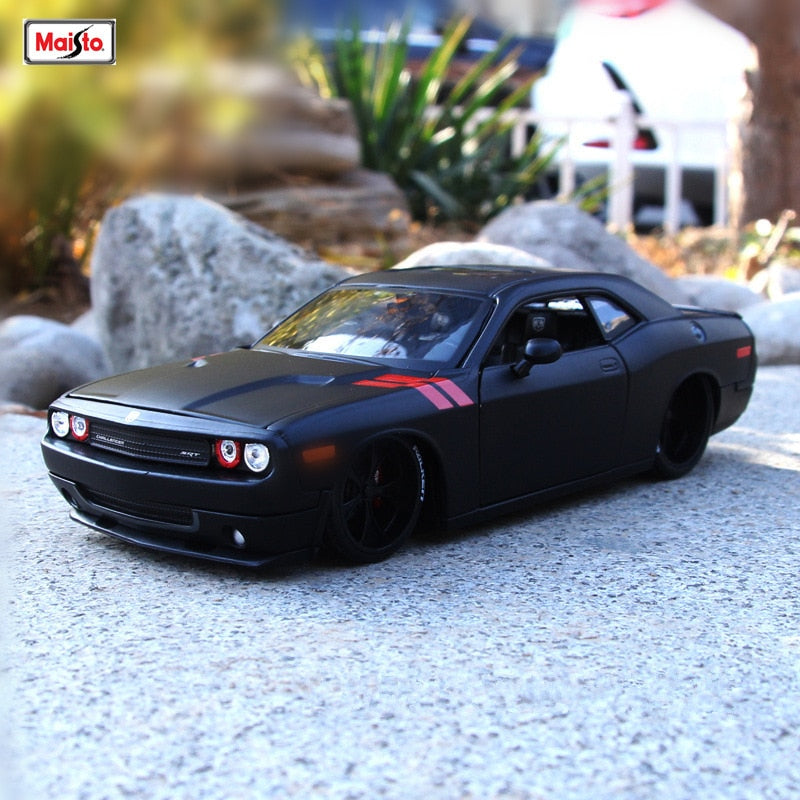 Maisto 1:24  Dodge Challenger Alloy car model die-casting model car simulation car decoration HOT SALE - MARI MAR SHOP