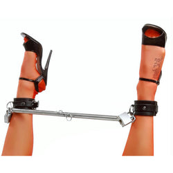 LoveCubby - Restraints - Adjustable Steel Spreader Bar by Master Series