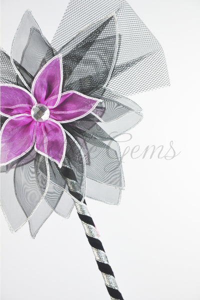 Iris Wand in Black
