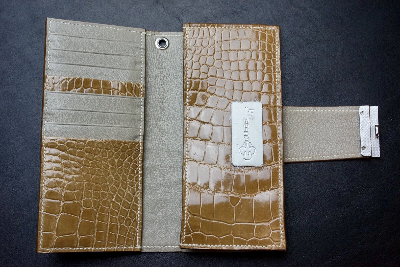 Alligator McKenna Long Wallet