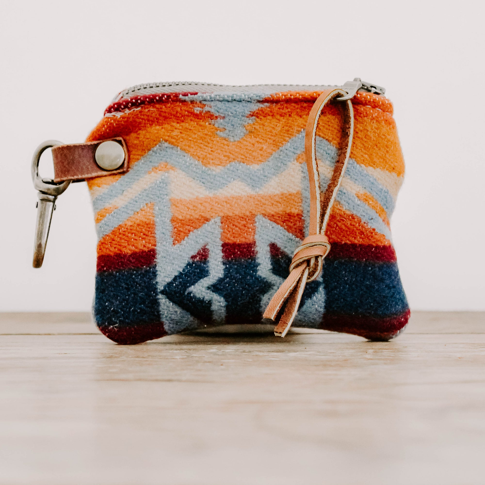 Zion Leash Bag