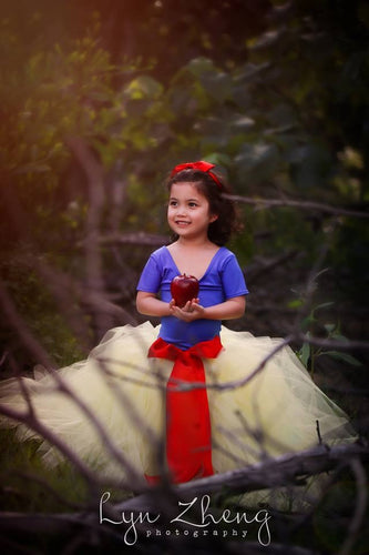 Snow White Inspired Fairytale Outfit