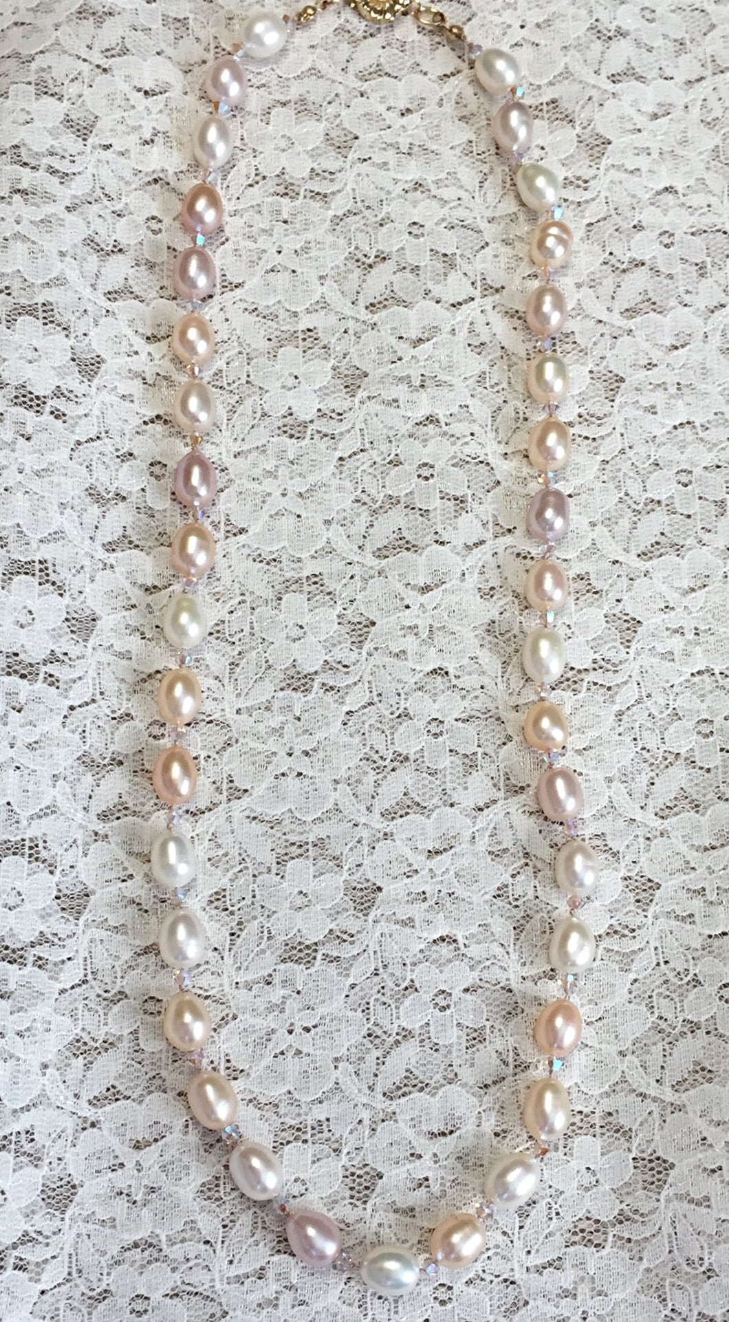 Amour Crystal and Pearls Necklace