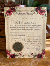 Beautiful floral accent designed to make your certificate look romantic.