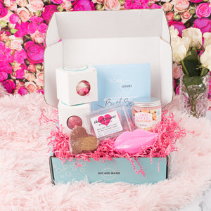LOVE & KISSES BOX