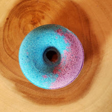 Load image into Gallery viewer, RASPBERRY DONUT BATH BOMB