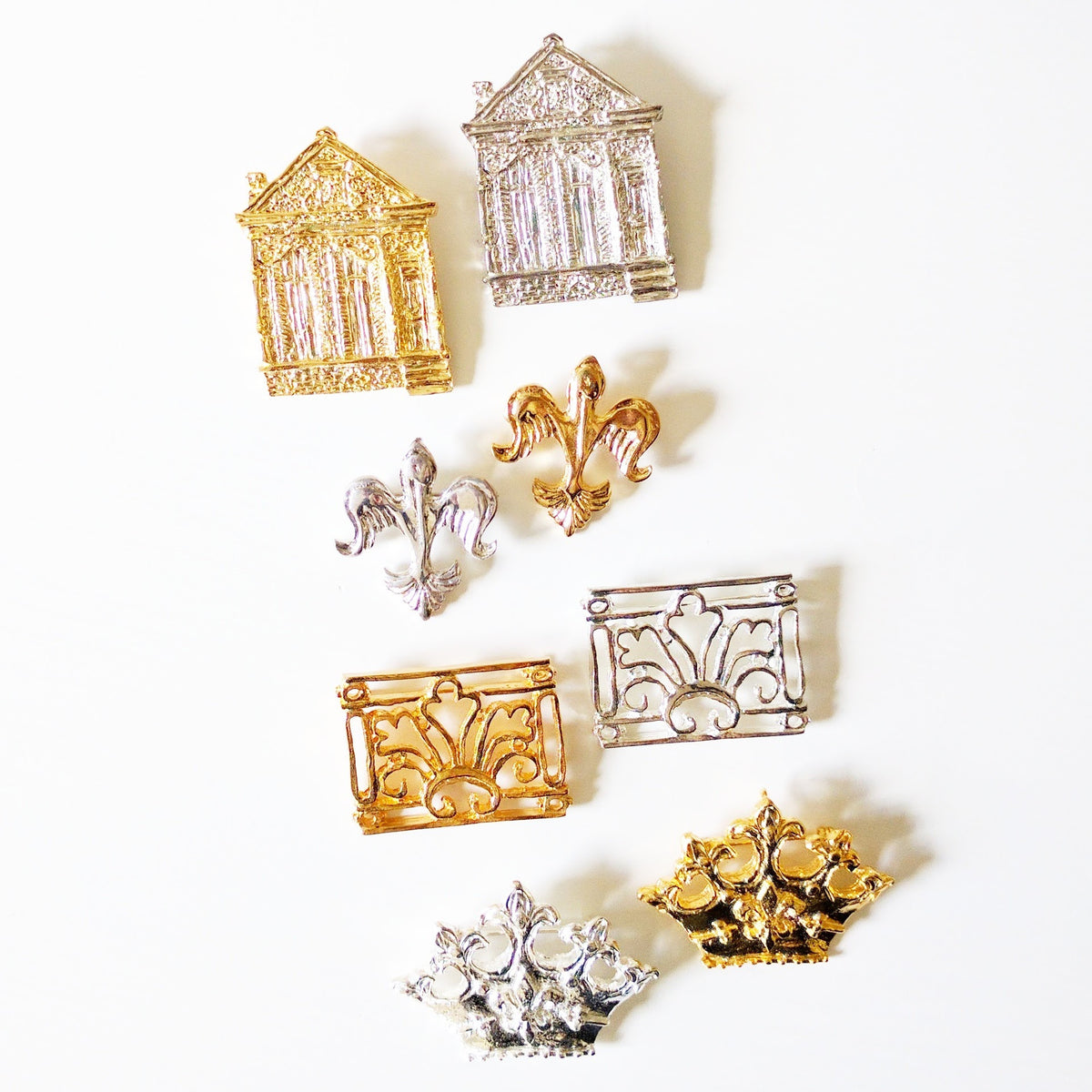 Pins / Brooches