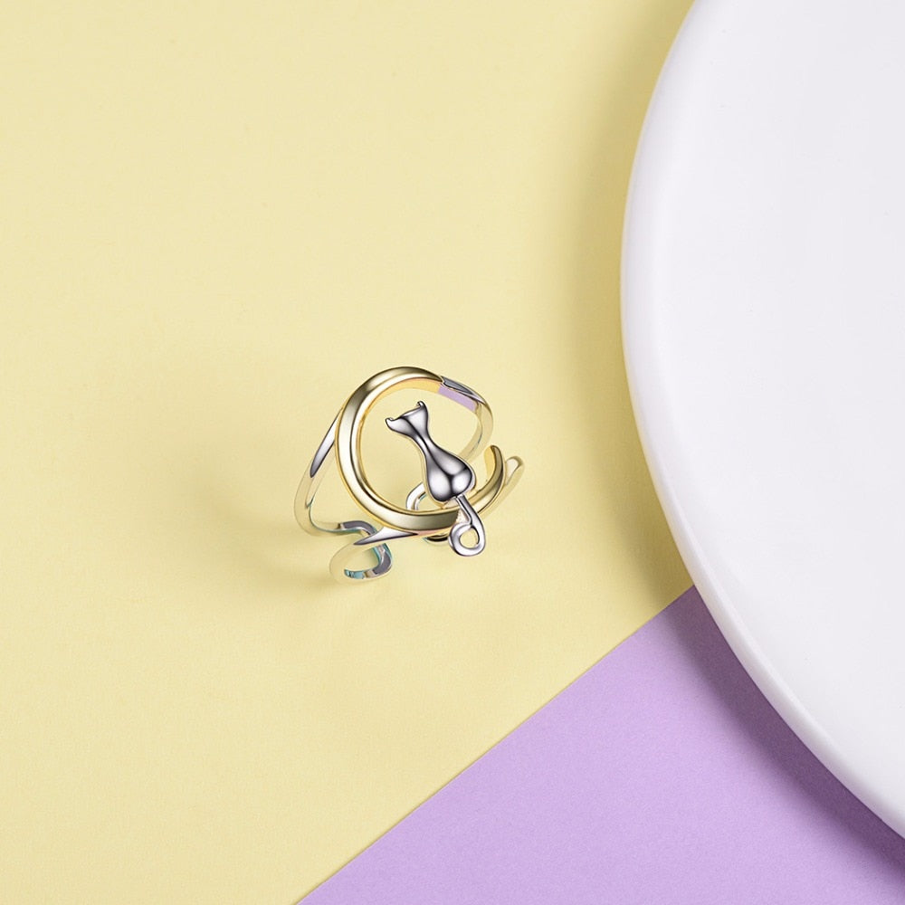 925 Sterling Silver Cat Sitting On A Crescent Moon Adjustable Ring