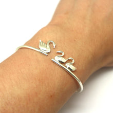 Load image into Gallery viewer, Mother Daughter Swan Bracelet