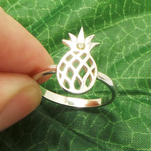 Load image into Gallery viewer, Silver Pineapple Ring