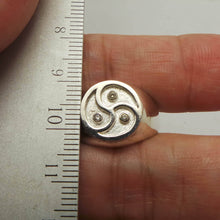 Load image into Gallery viewer, Silver Bdsm Triple Spiral Signet Ring