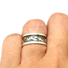 Load image into Gallery viewer, Black Mountain Wedding Band