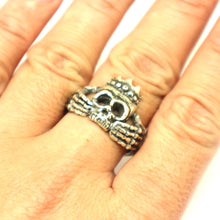 Load image into Gallery viewer, Skull Claddagh Ring for Men