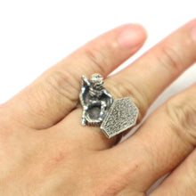 Load image into Gallery viewer, Dark Soul Skull Coffin Ring