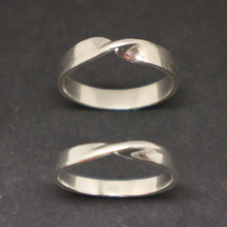 Mobius Promise Ring for Couples