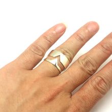 Load image into Gallery viewer, Triangle Couple Set Promise Ring