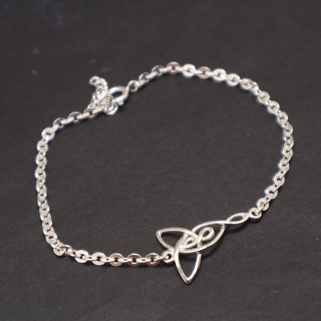 Silver Mother Two Daughters Knot Chain Bracelet