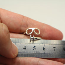 Load image into Gallery viewer, Personalized Initial Optometrist Ring