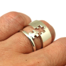 Load image into Gallery viewer, Lockable Puzzle Couple Ring