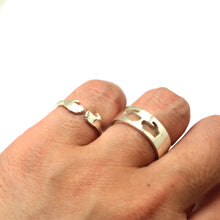 Load image into Gallery viewer, Hug Promise Ring for Couples