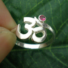 Load image into Gallery viewer, Silver Namaste Om Ring