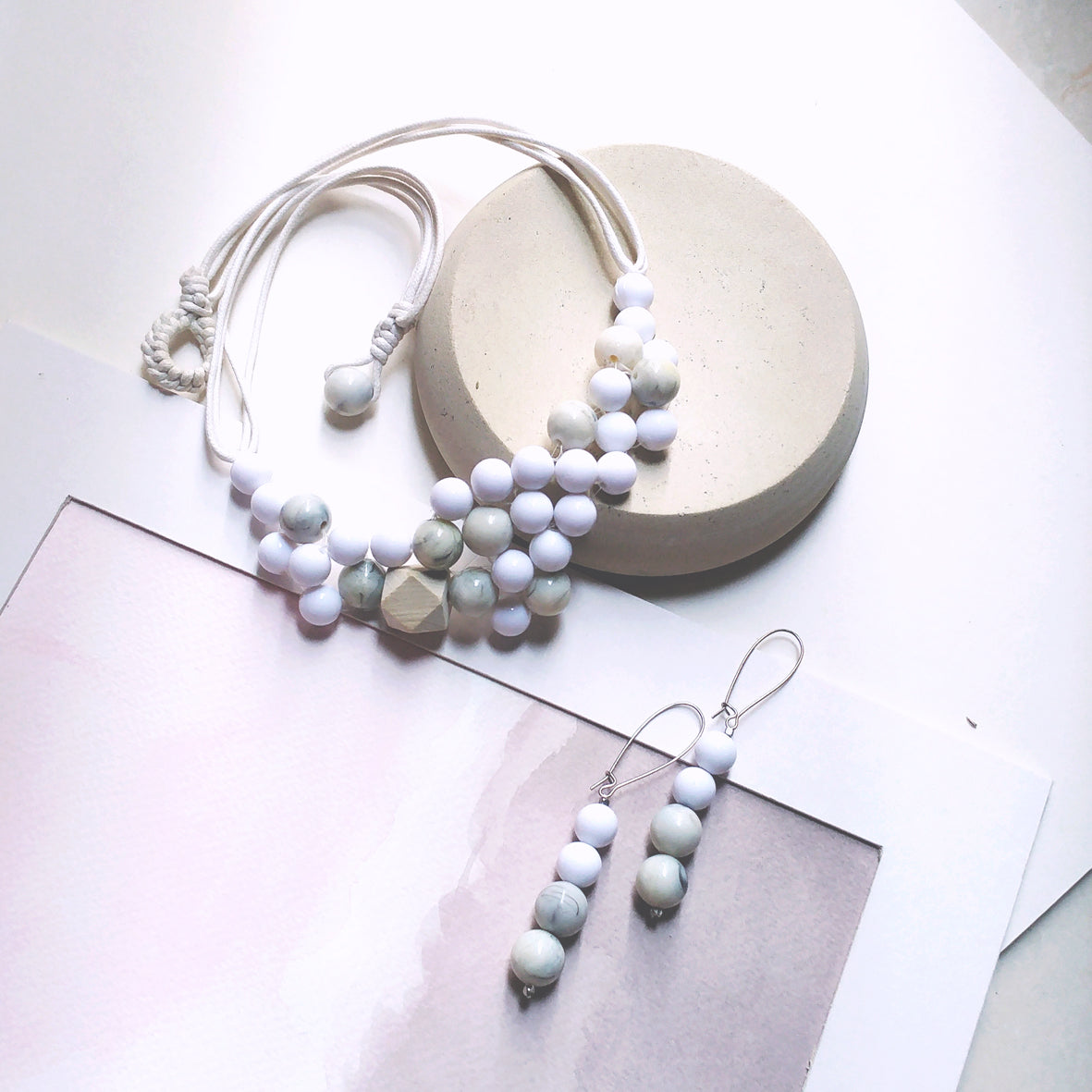 bubble series set beaded necklace and earrings in white marble