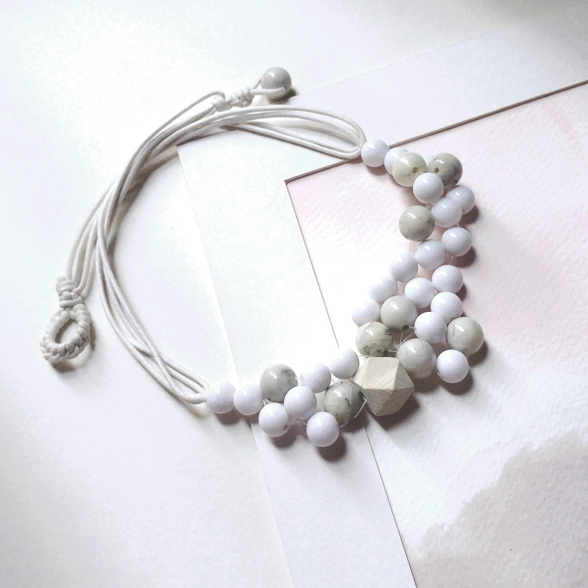 Bubble series set: Beaded Necklace and Earrings in White Marble Pattern