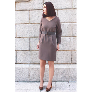 V Necked Straight Dress With Slight Open Back and Belt One Piece Dress Tapue Beige Gray Brown