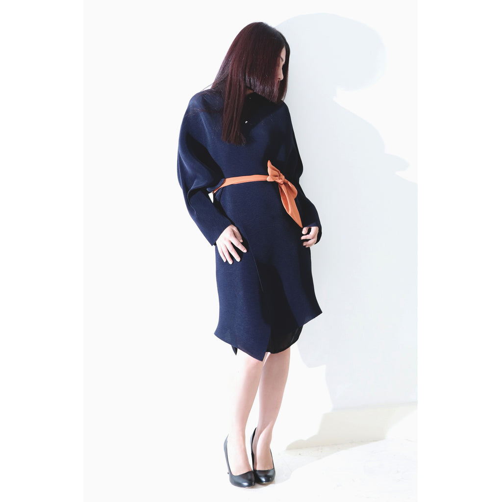 V neck pleated thin coat navy blue laser cut edging with orange tie-belt