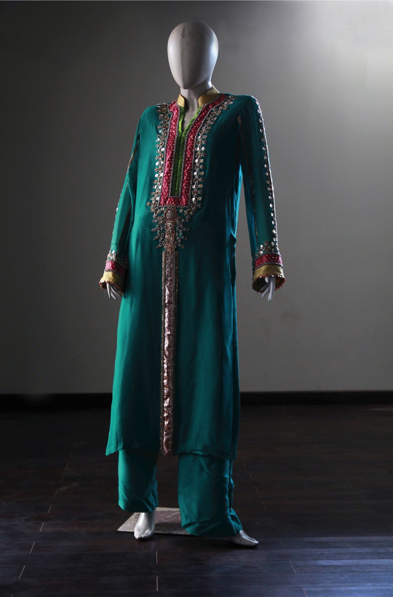 Summer Mehndi Outfit