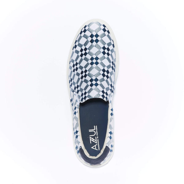 The Faro <br/>White Canvas <br/>Navy & Arctic Blue Embroidery