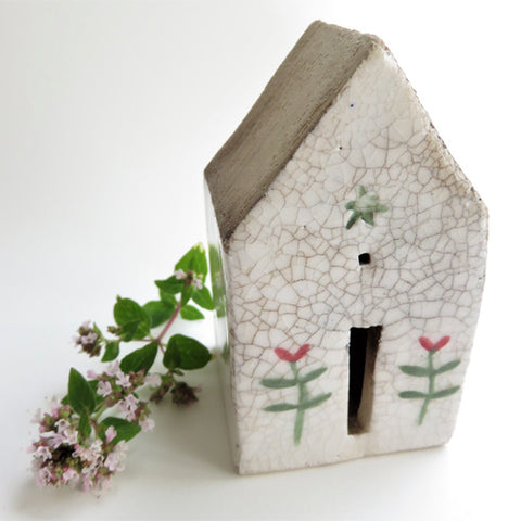 Sheena Spacey - Crackle house with Flowers and Star