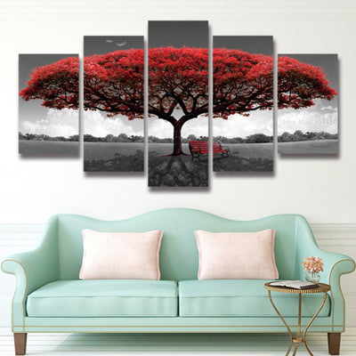 BEAUTIFUL AUTUMN RED TREE