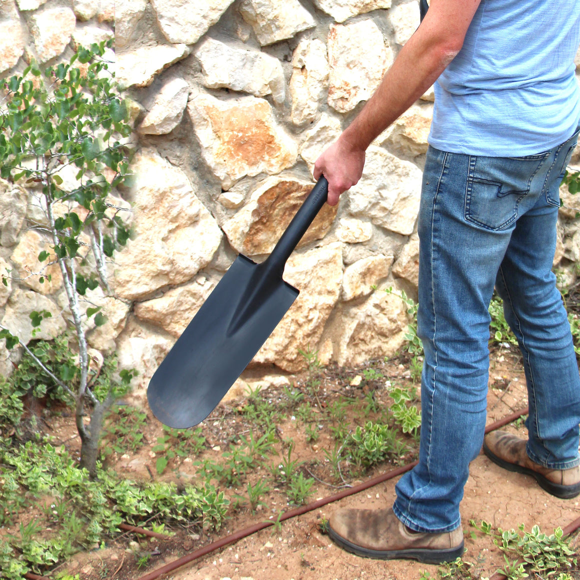 "TABOR TOOLS J213 Trench Digging and Drain Shovel Narrow Blade and and D-Grip 31"" Fiberglass Handle"