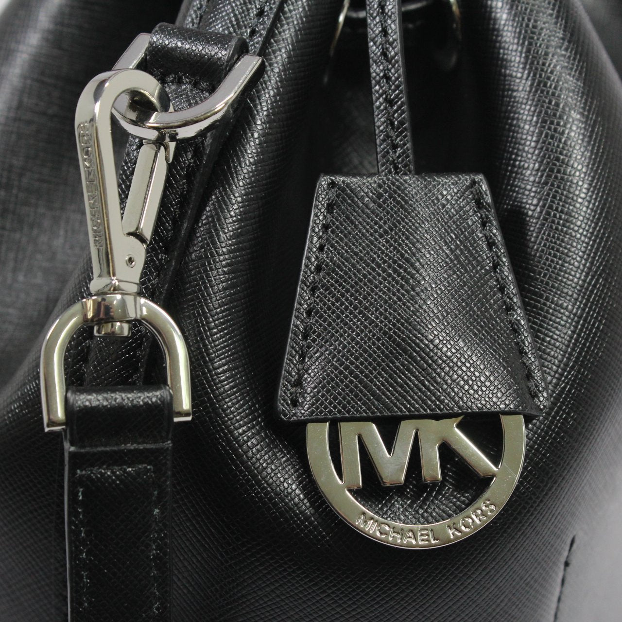 Michael Kors Greenwich Bucket Bag