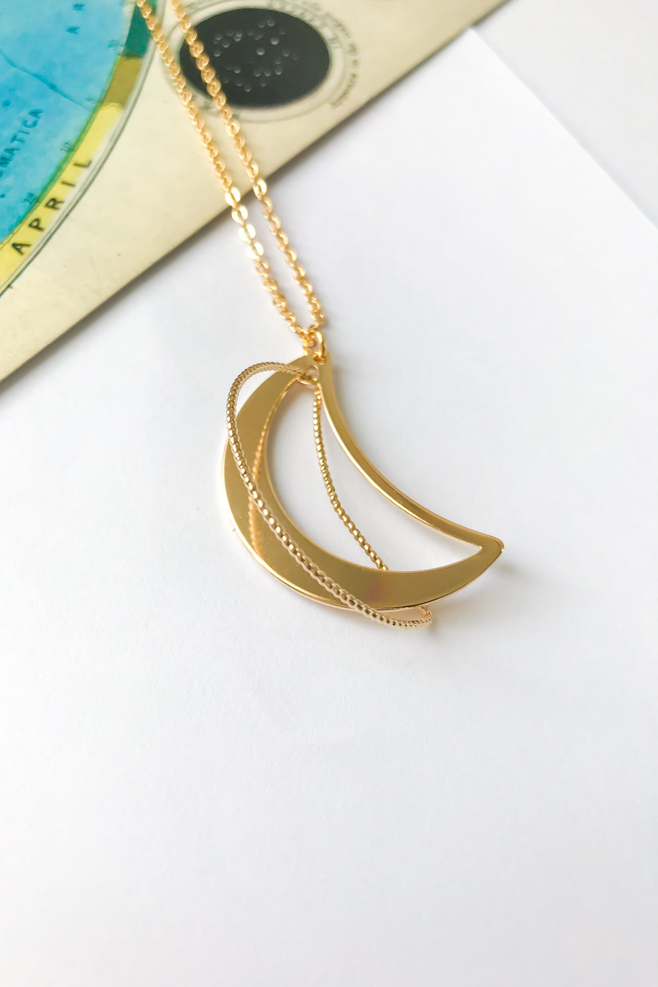3D crescent moon necklace