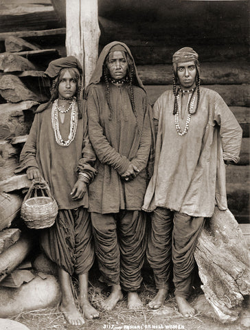 Pahari (Hill) women in kurtas, Kashmir, 1890