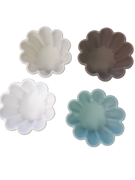 Homezaza set of 4 flower moulds. Use for baking or soap making