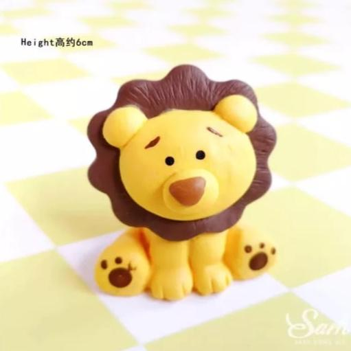 Lion Clay Cake topper Figurine, 5.3x5.5cm