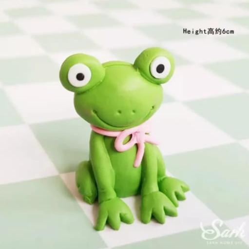 Frog Clay Cake topper Figurine, 6x5.3cm
