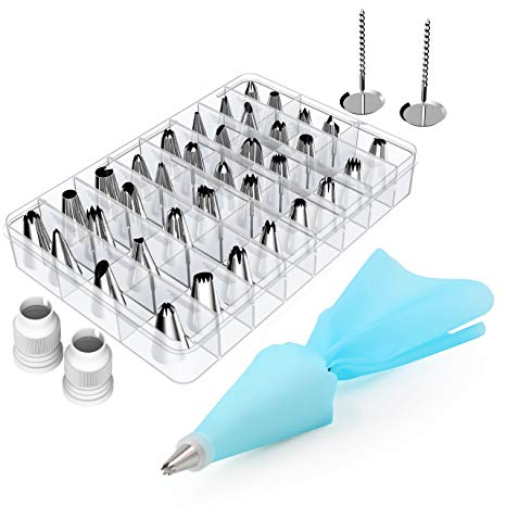 32 small Nozzles in a container with piping bag