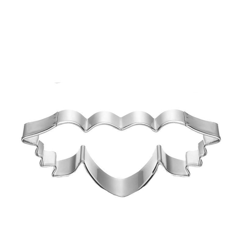 Heart with wings cookie cutter metal, 9x3.5cm
