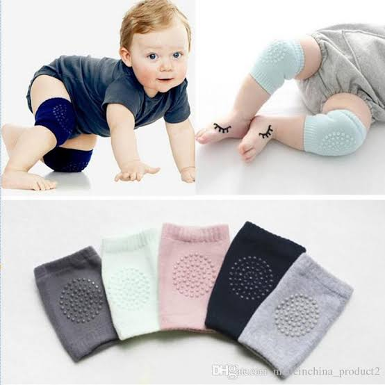 Baby crawling socks. (Light pink)
