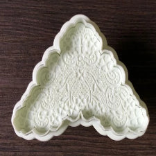 Lace Fondant patterned border plunger cutter, A3414