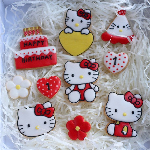 Hello Kitty plastic cookie cutter set, cake 6.2x6.2cm, face 5.5x4.7cm
