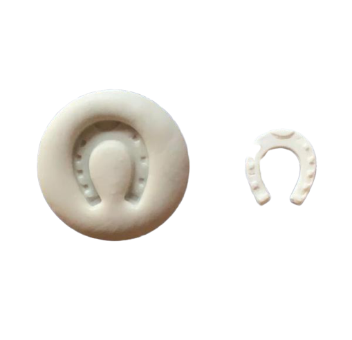 Small horse shoe silicone mould, 2.3x2.6cm