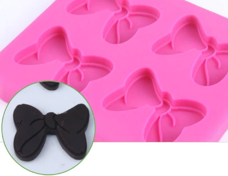 Minnie mouse bow silicone mould, 3.7x3cm