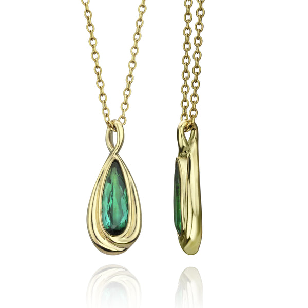 18K Gold Necklace With Green Tourmaline