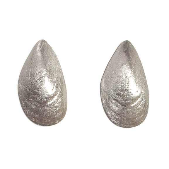 Earrings - Mussell Shell posts
